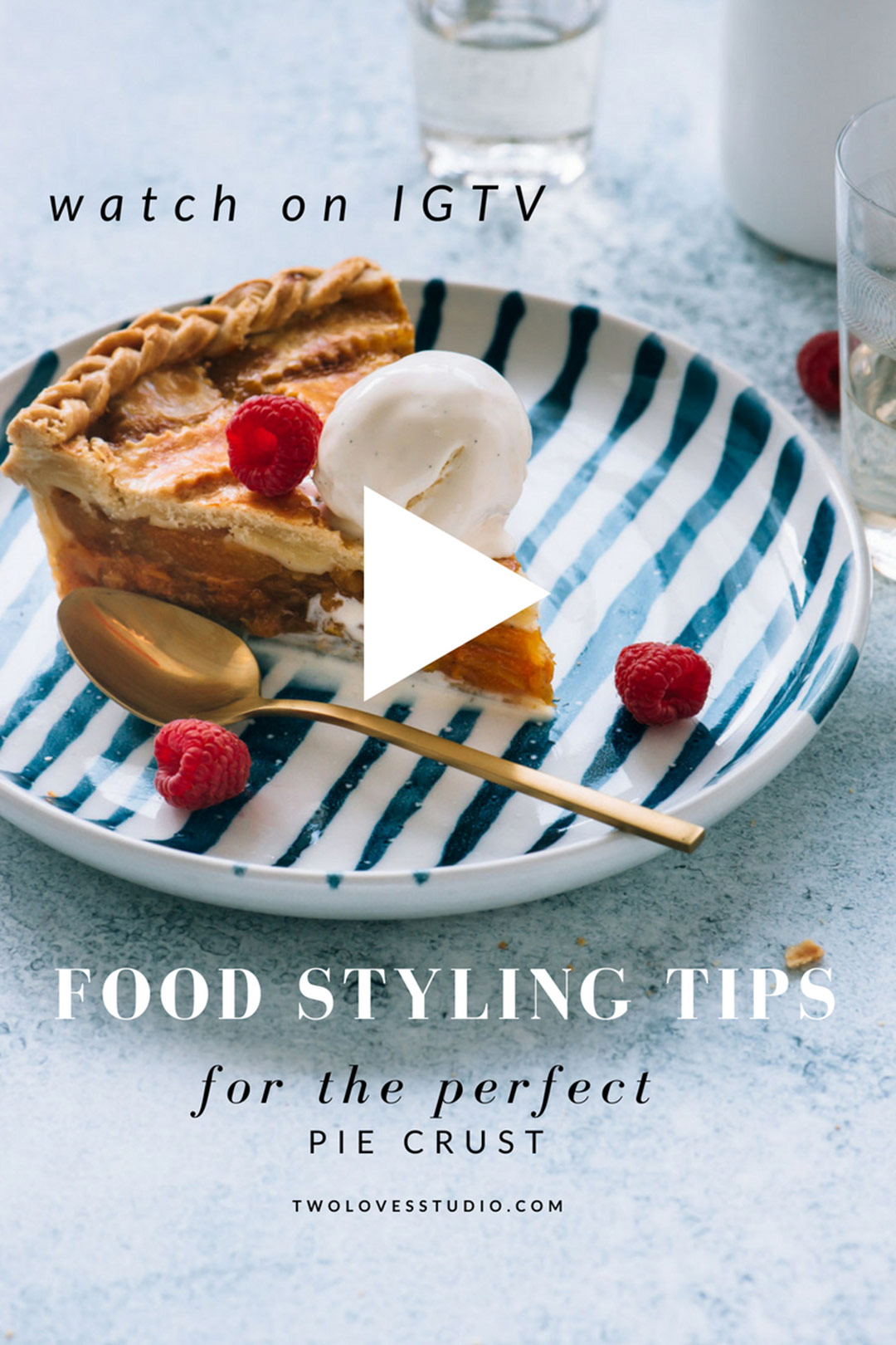 Top 7 food styling tips to create the perfect pie crust for food photography. Click to read them all.