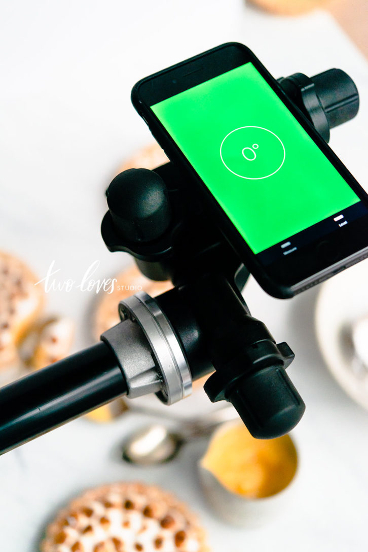 These simple iPhone features can be used in any shoot to help improve your photography. From the flashlight, to spirit level, compass and focus targets. Click to read.